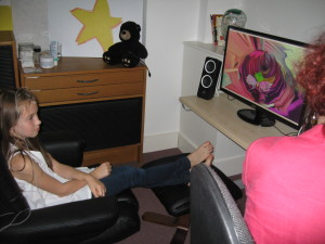 Ella having Neurofeedback treatment at Starjumpz